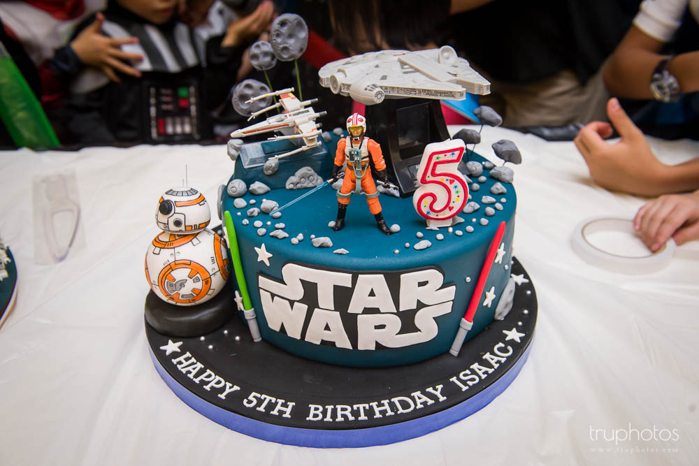 Star Wars Luke Skywalker theme birthday party cake