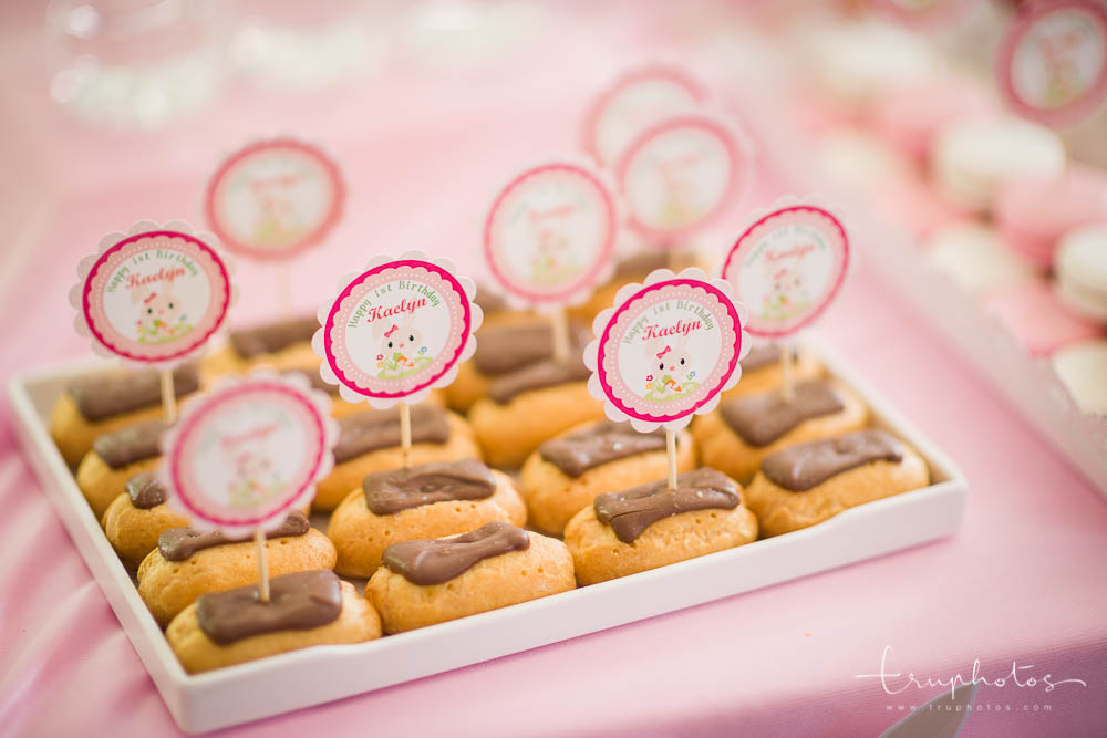 Yummy chocolate eclairs, a must-have for every dessert table